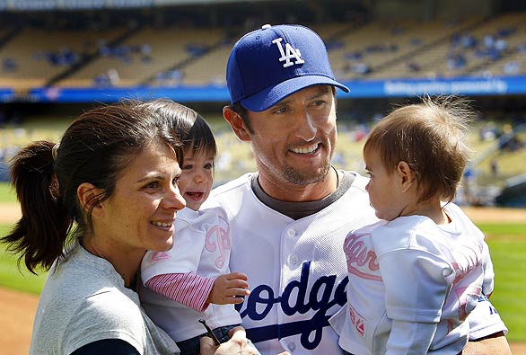 Nomar and Mia have twin daughters born March 27, 2007. Their names are ...