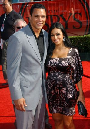 Tony Gonzalez's wife October Gonzalez