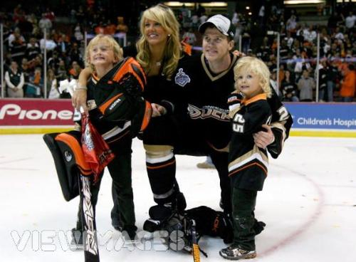 Chris Pronger's wife Lauren Pronger