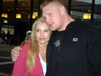 Brock Lesnar e sua esposa, namorada e mulher Rena Mero Lesnar