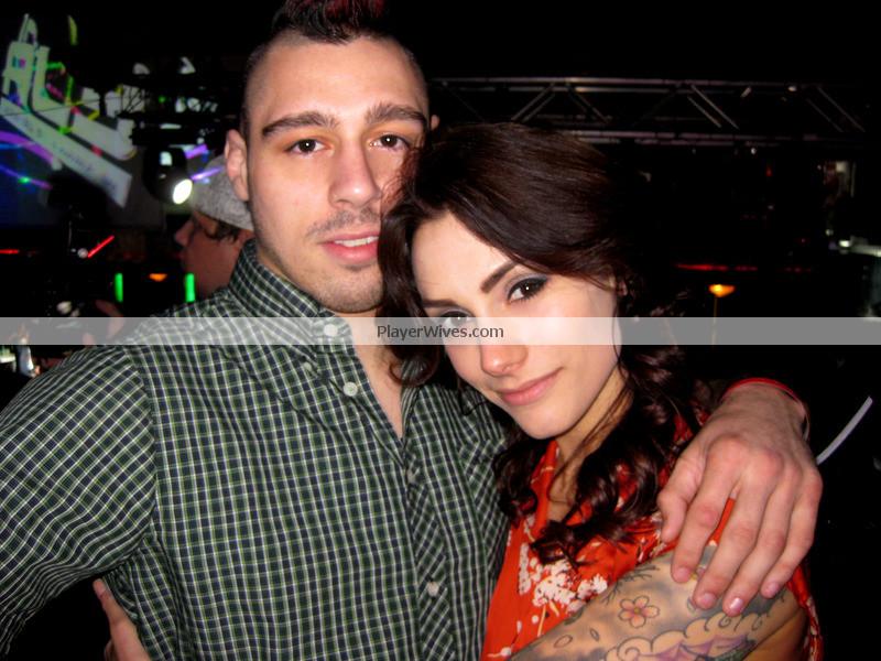 Dan Hardy's girlfriend Elizabeth Holloway