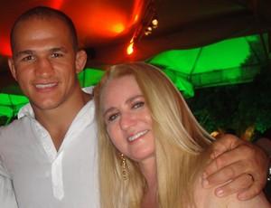 Júnior Cigano dos Santos e sua namorada, esposa, mulher e empresária