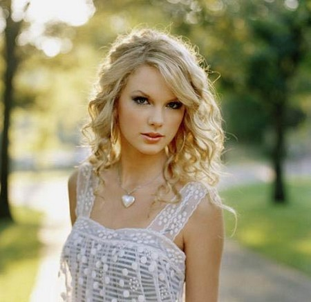 swift senior personals Buoyed by the success of pop crossover singles love  where she attended wyomissing area junior/senior  taylor swift peaked at number five .