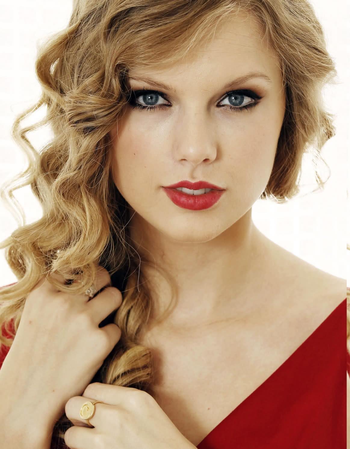 Tim Tebow's girlfriend Taylor Swift