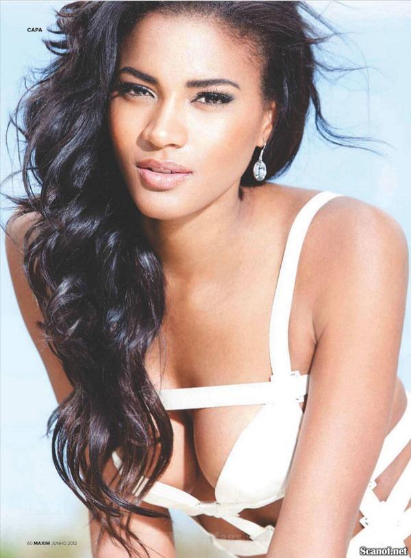 Osi Umenyiora's girlfriend Leila Lopes