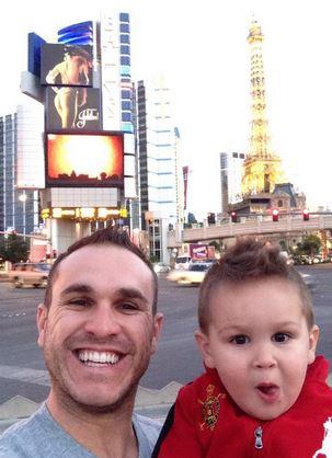 Miguel Montero & son - @miggymont: Guys trip to Vegas