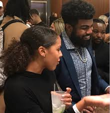 Ezekiel Elliott's Girlfriend Halle Woodard- Twitter